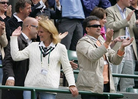 djokovic-wimbledon-parents.jpg
