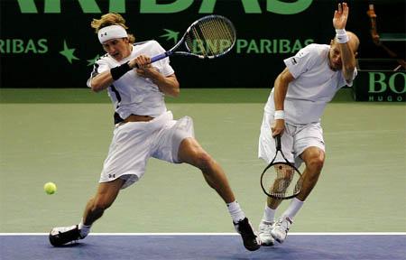 davis-cup-russia-doubles.jpg