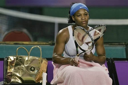 tsf-serena-williams-bangalore08-goldbag.jpg