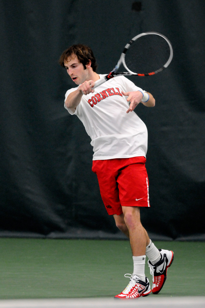 Men's tennis improved to .500 after beating both Brown and Yale on the road.