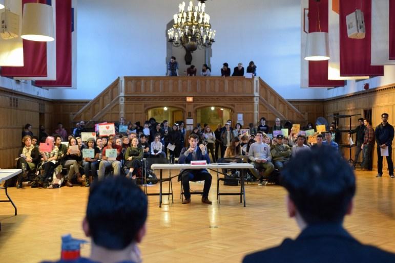 Gabriel Kaufman speaks at the SA meeting on November 2nd, 2017. (Boris Tsang/Staff PHotographer)