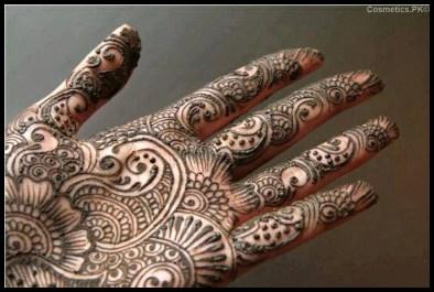 Mahrose Beauty Parlor Hand Mehndi 001
