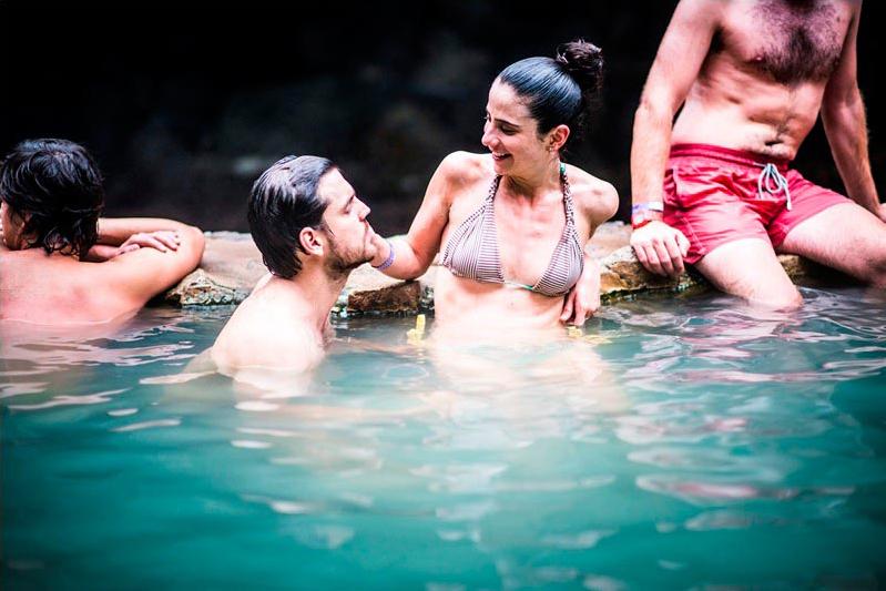hacienda_guachipelin_rio_negro_hot_springs09