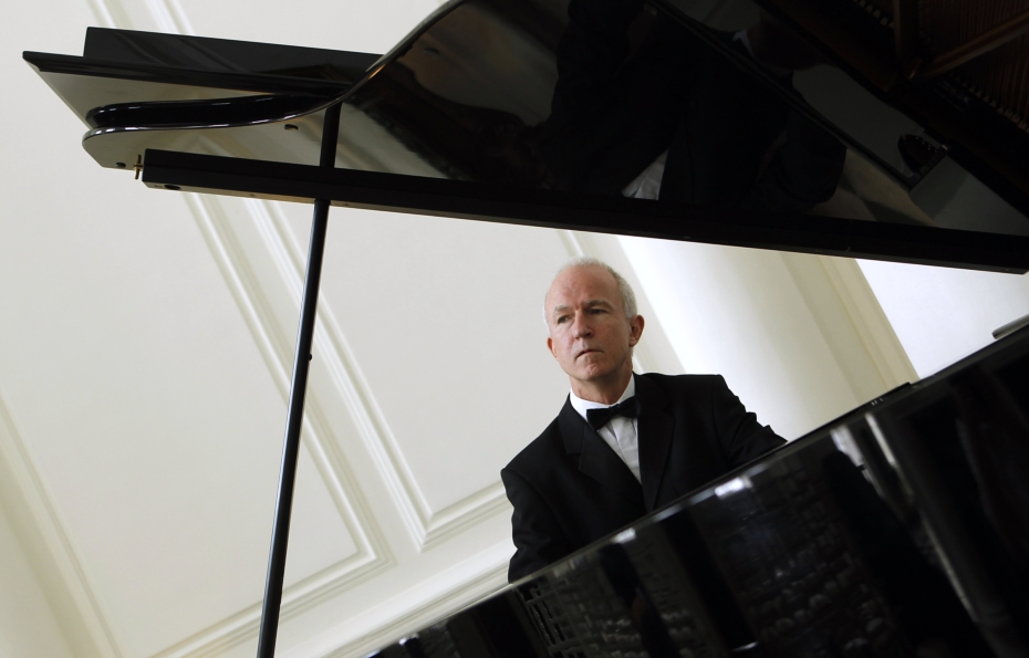 Hugh Tinney: Piano Recital