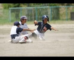 少年野球スライディング