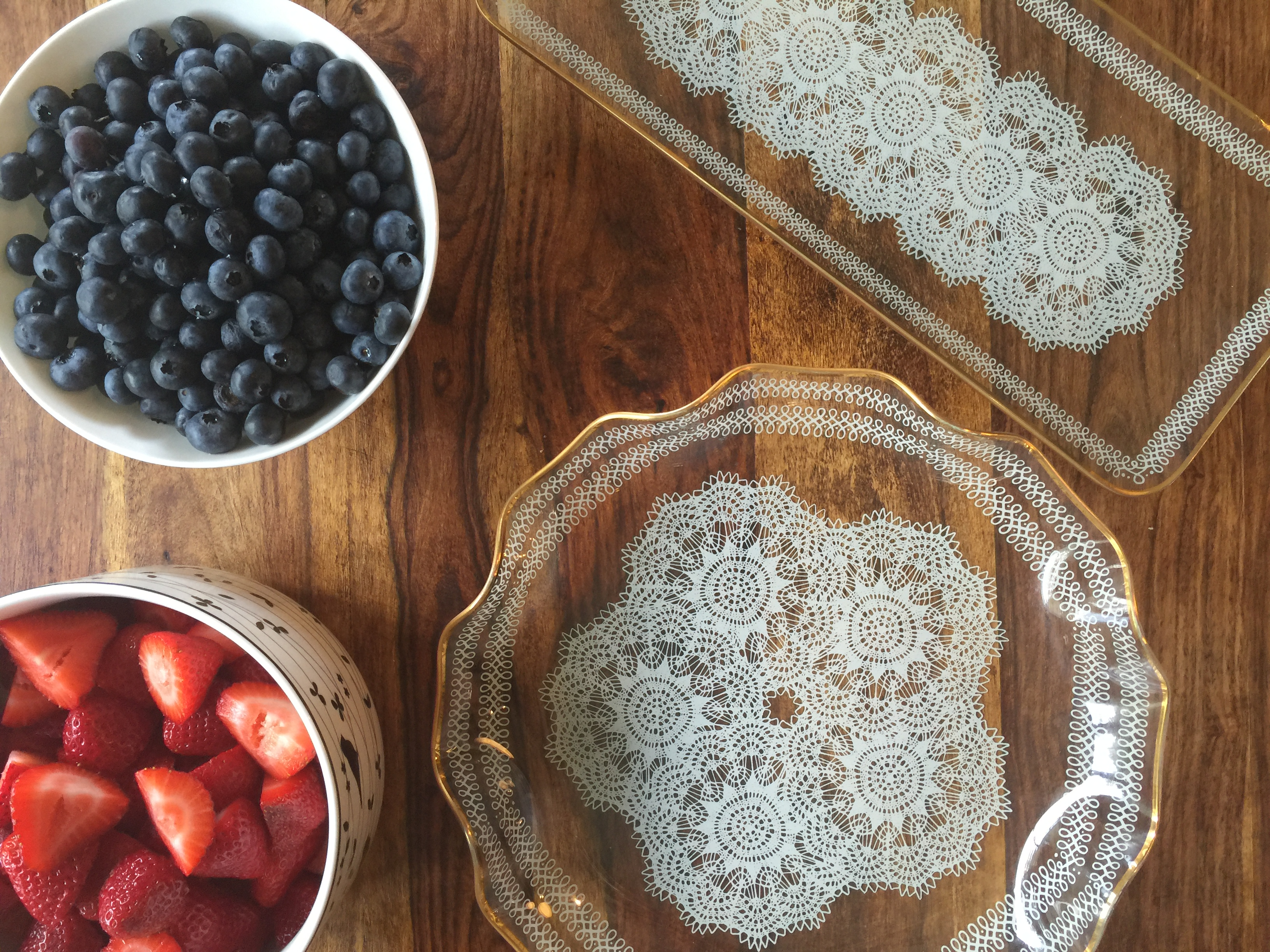 Recipe for red, white and blueberry cheesecake dip via Count Me Healthy