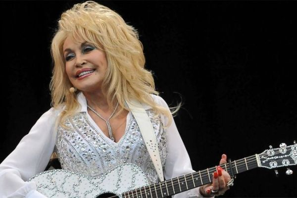 dolly-partons-dollywood-foundation-donate