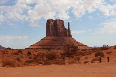 Monument Valley chercher le meilleur angle pour photographier Elephant Butte