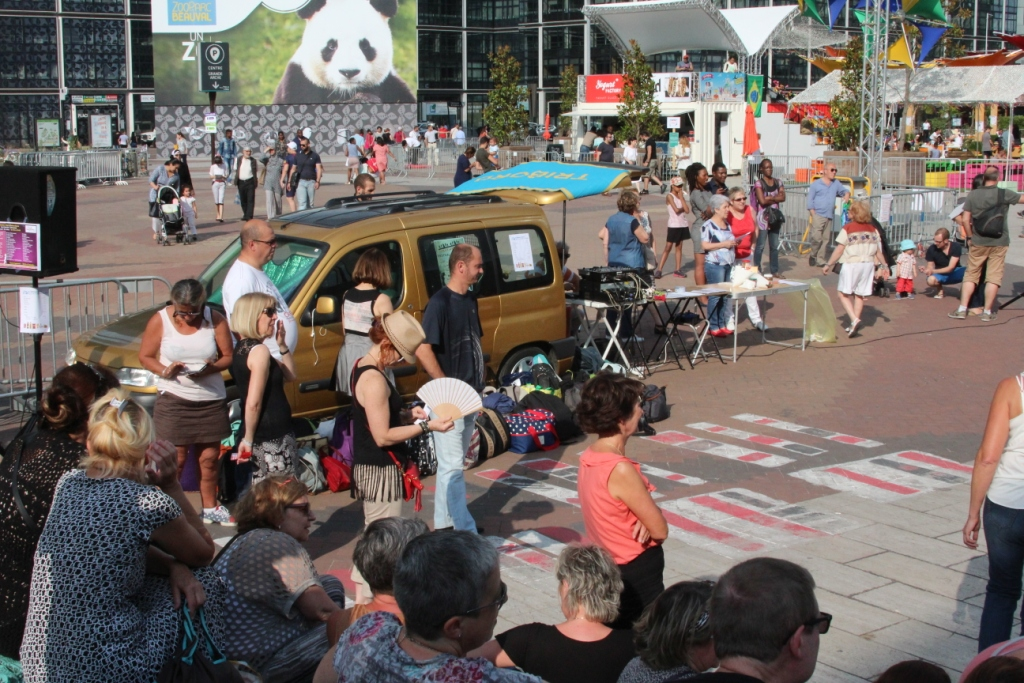 La camionnette-sono-stand de crêpes de Jean-Luc