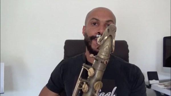 Comment travailler ces gammes au saxophone Pour recevoir ton cours GRATUIT les 8 conseils indispensables pour commencer le saxophone!!: Clique ici http://www.cours-saxophone.com/cadeaufacebook Aime et partage Abonne toi à ma chaine tube sinon tu vas m'oublier et tu vas perdre ta motivation pour continuer le sax!! On sait tous comment ça se passe!!! clique ici https://www.youtube.com/channel/UCHEtppLmhSDIUMWX2PRAMVg/… Pose ta question en cliquant ici http://cours-saxophone.com/pose-tes-questions-en-dessous-d…/ Clique ici pour t'inscrire à ma newsletters et être au courant lorsque je propose des coaching: http://www.cours-saxophone.com/formulaire.html
