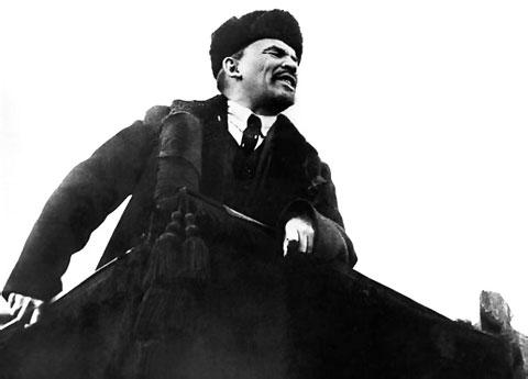 Reflexiones En Torno Al Centenario De La Revolución Rusa (III): ¡La Revolución ya, pues la historia ni el poder esperan! – Por Eloy Torres