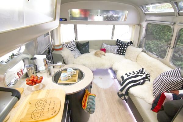 Cozy Little House So What Do You Think Of The Airstream Do Could Live In One