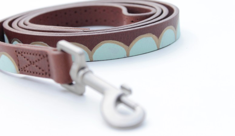 Scalloped Leash DIY