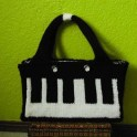 knitted-keyboard-purse
