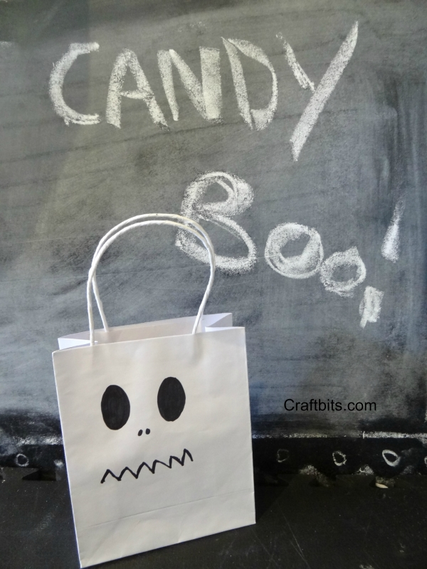 Halloween-loot-candy-treat-bag-kids