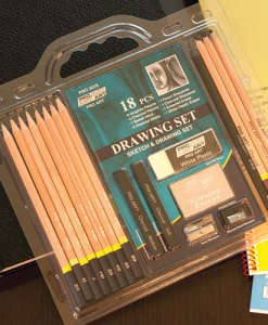 18 Piece Drawing Set