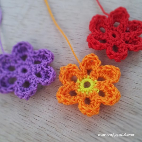 Basic Crochet Flower Patterns Free : Cute Crochet Flowers - Crafty Guild