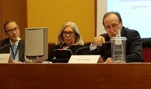 I moderatori della sessione mattutina. Da sinistra, Fabio Giordano, Mariapia Cirenei e Maurizio Agostini.
