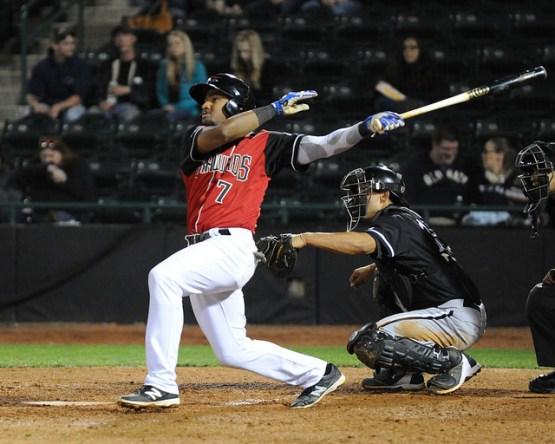 Andy Ibanez, courtesy of http://i2.wp.com/crawdadsbeat.files.wordpress.com/2016/05/andy-ibanez-batting.jpg?resize=555%2C444&ssl=1