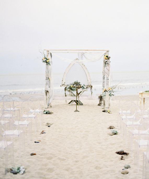 Winter Wedding Arch Decoration Ideas: Wedding Ceremony Arch Inspiration