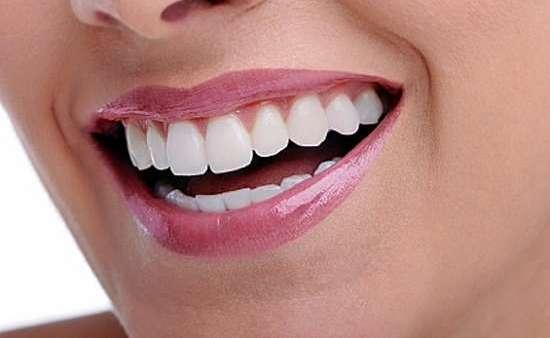 Com o aperfeiçoamento dos tratamentos estéticos é possível ter dentes mais brancos em minutos.