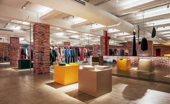 As obras estão situadas na Calvin Klein na 205 West 39 NYC. (Foto: