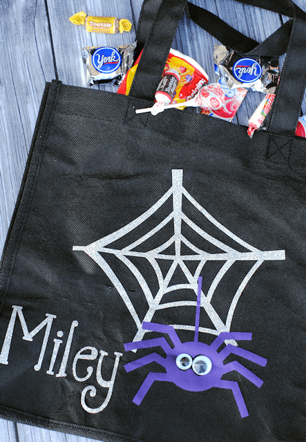 Make Your Own Kids Personalized Trick or Treat Bag