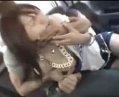 【素人強姦動画】モデル事務所に入りませんかと嘘をついて釣った素人を車に連れ込んでレイプ