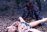 【青姦レイプ動画】浮浪者風の男に野外で襲われたギャルが汚いチンコを強引にぶち込まれて生姦中出し・・・