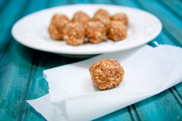 Ramadan-recipe-peanut-butter-cookie-and-dates-bites