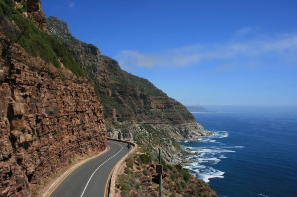 beautiful-roads-around-the-world-10