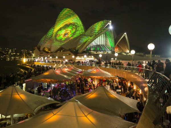 Vivid-Sydney-lights-the-Opera-House__credit-Daniel_Boud-034-800x600
