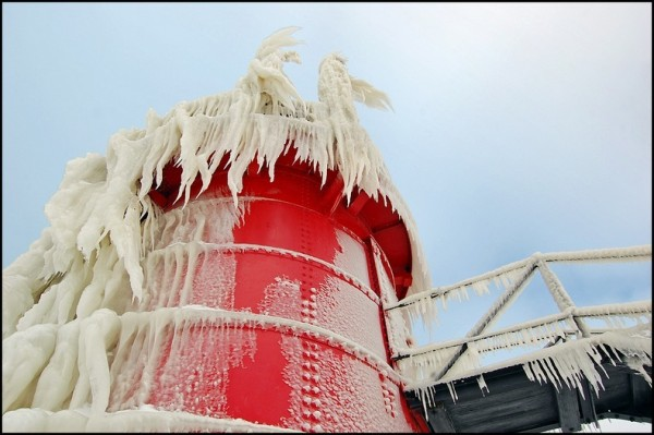 frozen-lighthouses-12[5]