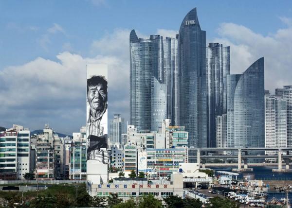 dezeen_Asias-Tallest-Mural-by-Hendrik-Beikirch_ss_1