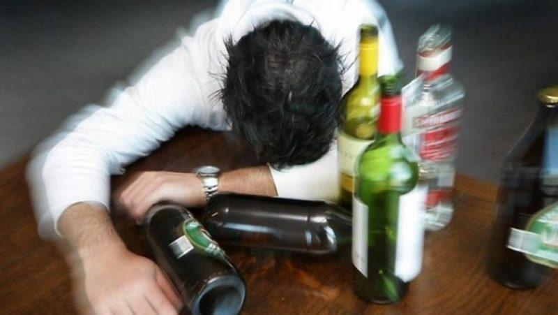 Как остановить алкоголика от запоя