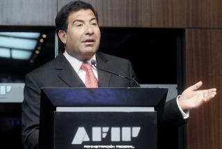 El titular de la AFIP dijo que la conducta de Lorenzetti fue impropia.