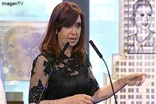 Fernández defendió proyectos para reformar Poder Judicial.