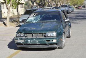 El coche perdió la patente después del accidente.