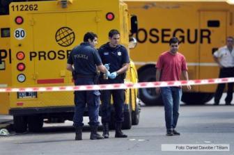 Los custodios respondieron a los tiros a los asaltantes.