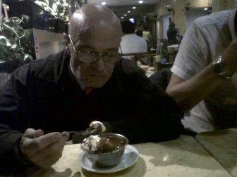 Fernández en una de sus últimas cenas.