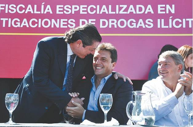 El ex fiscal Novo con Sergio Massa.