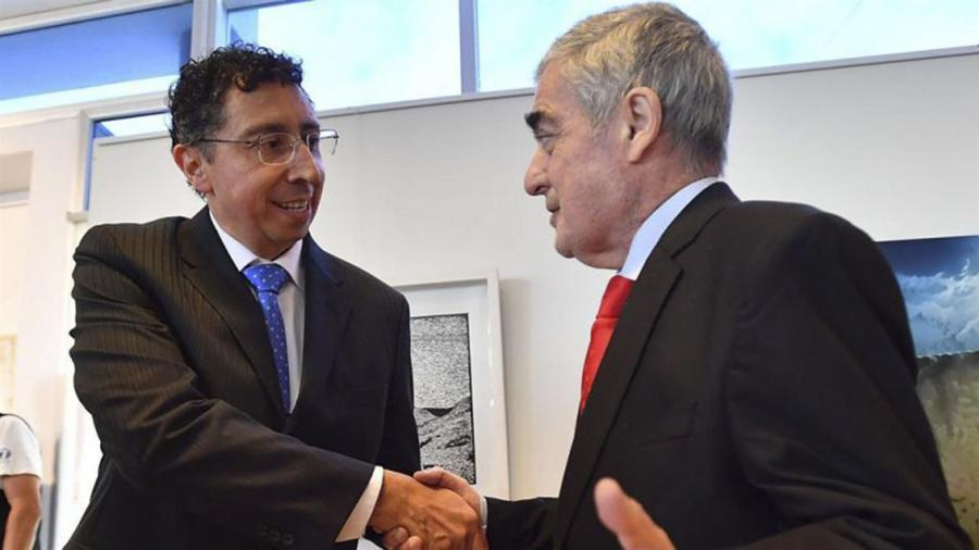 Lleral recibe el saludo del gobernador Das Neves.