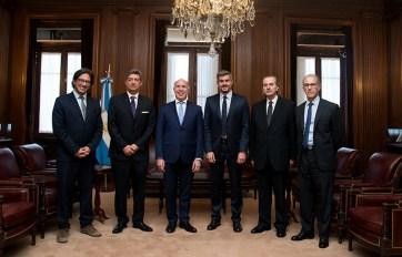 Ministros de la Corte y del Poder Ejecutivo.