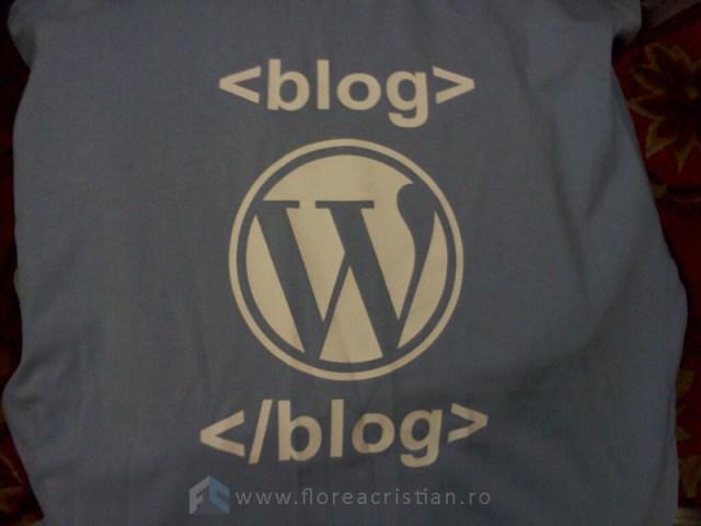 tricou de blogger la hackathon