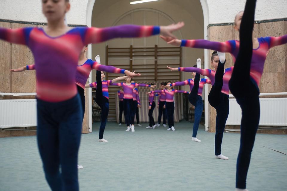 antrenament junioare gimnastica 25