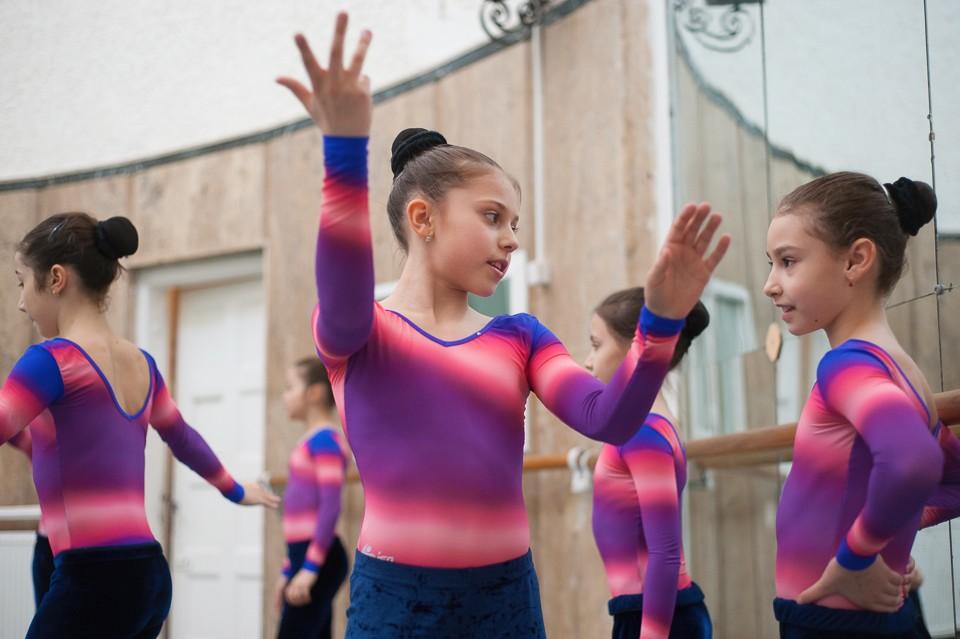 antrenament junioare gimnastica 46