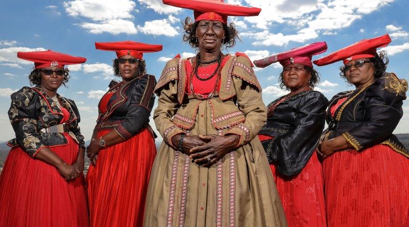 Fotografie în Namibia © Ambasador Canon Brent Stirton (cu Canon EOS R)