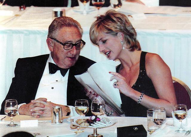 Kissinger y Lady Di