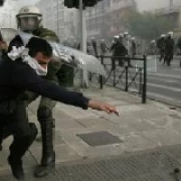 Youths clash with riot police, Greece