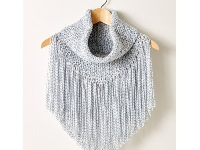 Boho Meets Country With This Fringed Cowl